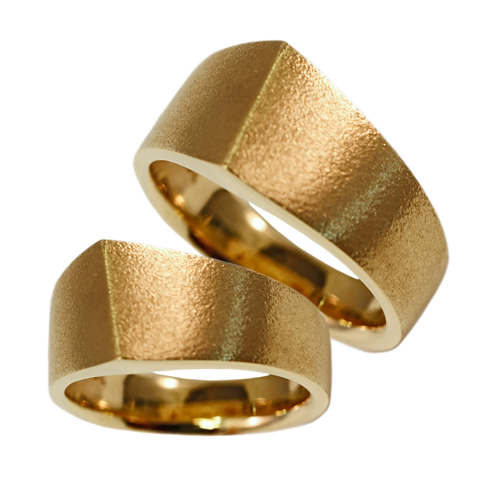 """Men's Angle Band"" ring – 18k yellow gold. ""Ladies Angle Band"" ring – 18k yellow gold"