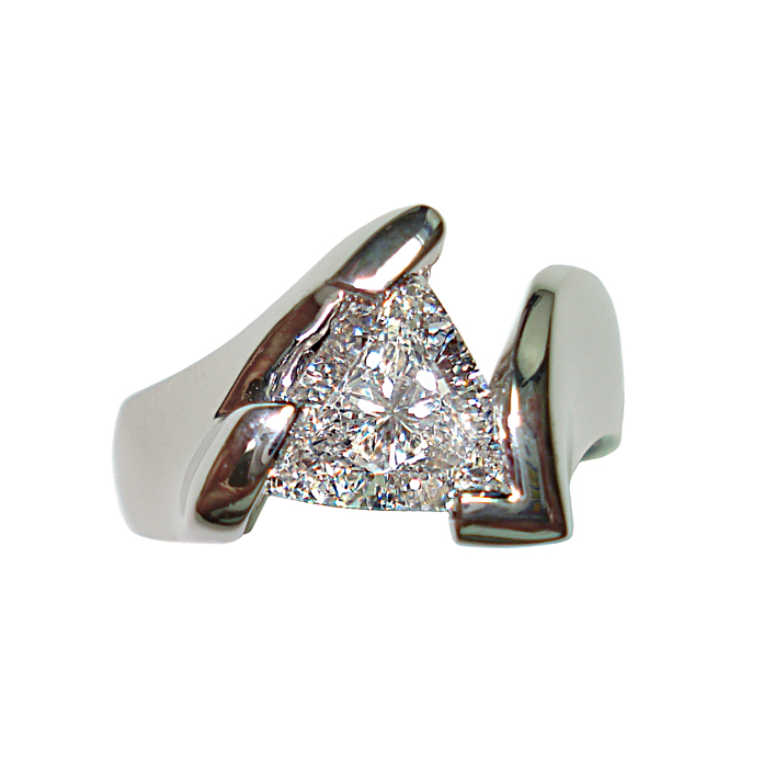 "#KRW-D-1117 - ""Trillion Perfection"" Ladies Ring, trillion-cut diamond =1.51cts, VS-2-D, GIA Certification."
